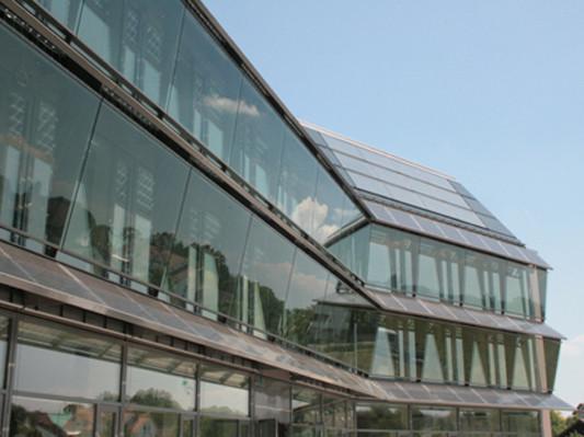 Büro- und Geschäftshaus in Esslingen/CH