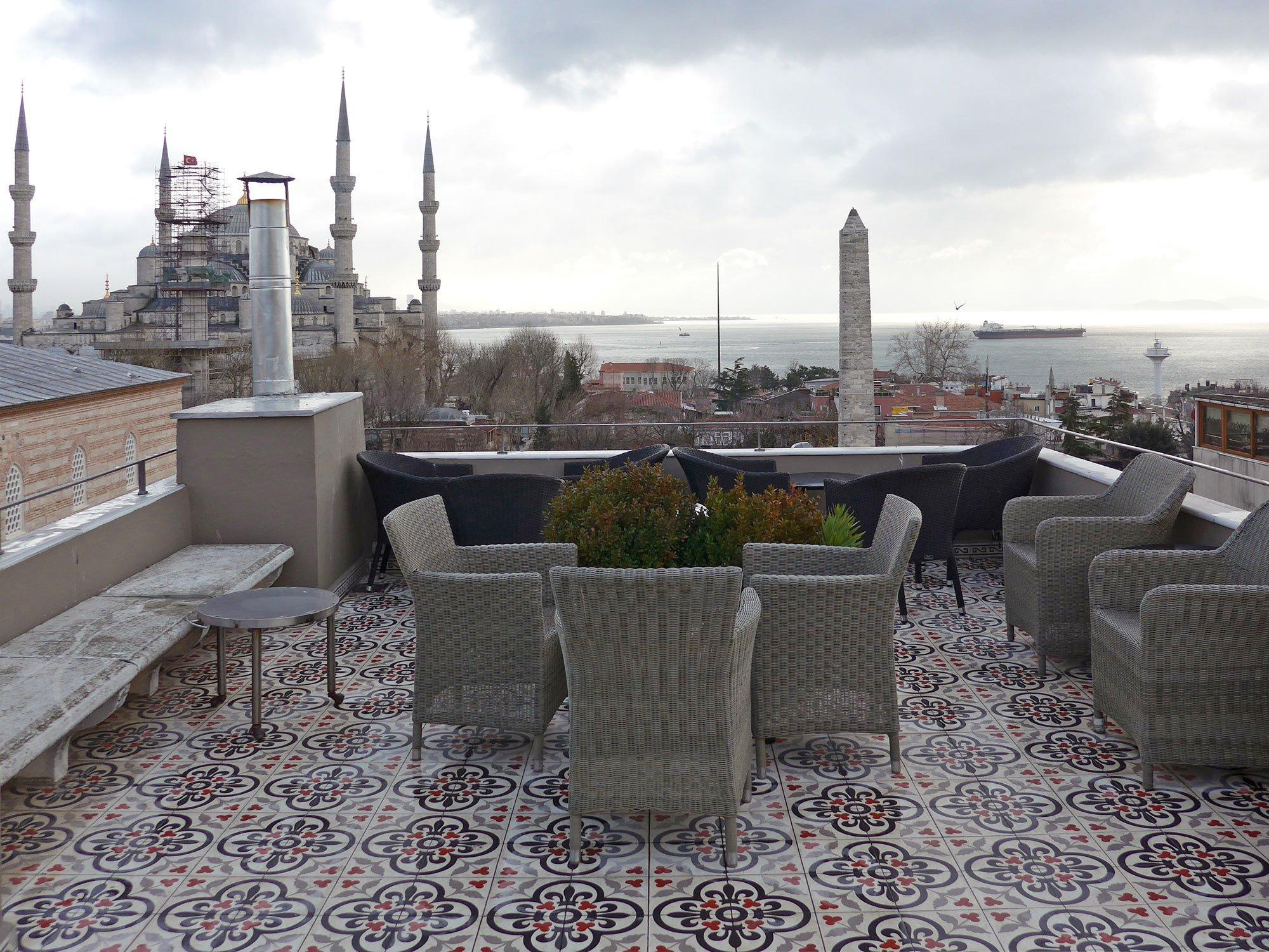 Balkone und terrassen fliesen und platten einsatzbereiche baunetz wissen - Auf fermacell platten fliesen ...