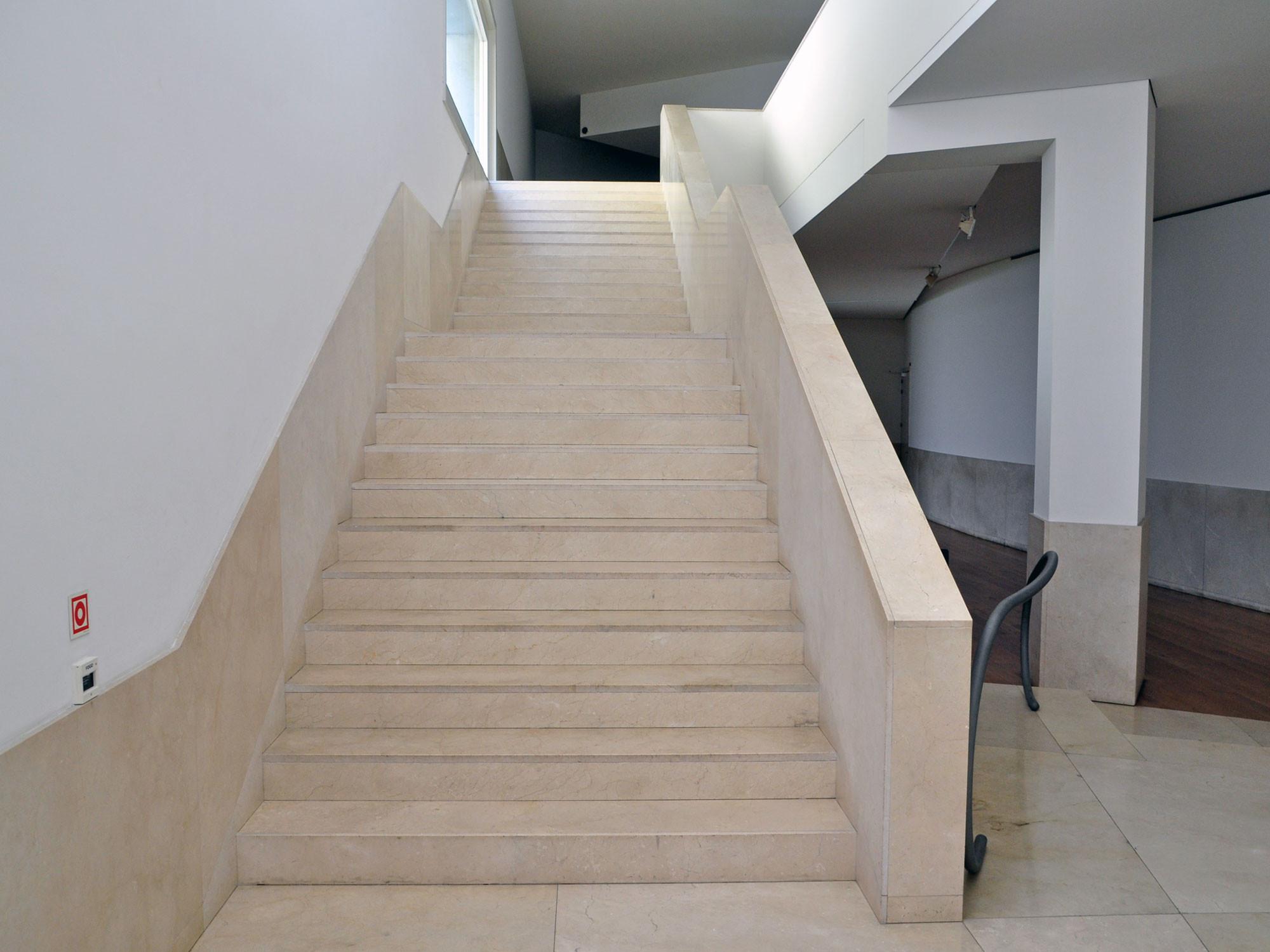 marmorfliesen und platten fliesen und platten kunst natursteine baunetz wissen. Black Bedroom Furniture Sets. Home Design Ideas