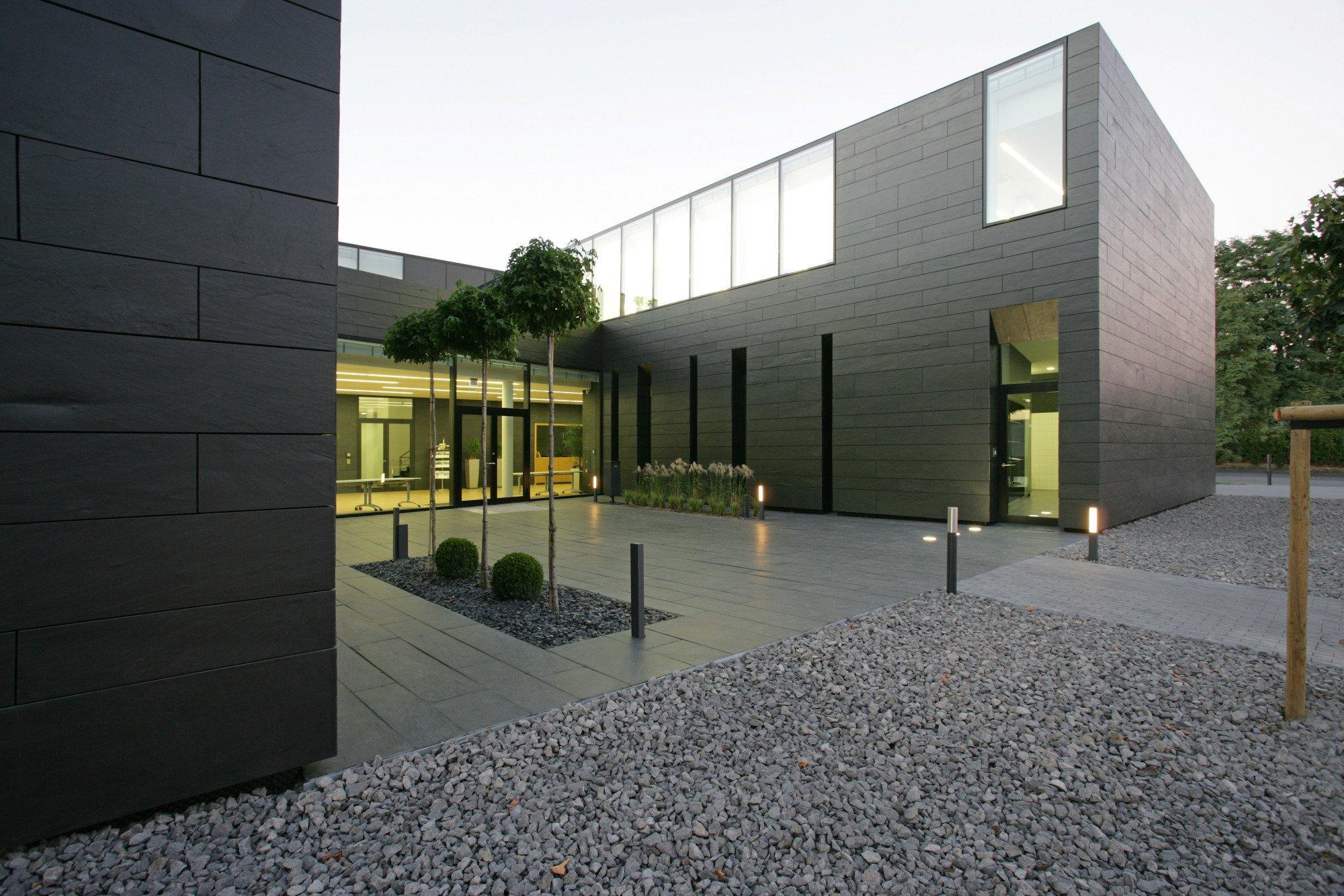 kunststeine aus quarzwerkstoff fliesen und platten kunst natursteine baunetz wissen. Black Bedroom Furniture Sets. Home Design Ideas