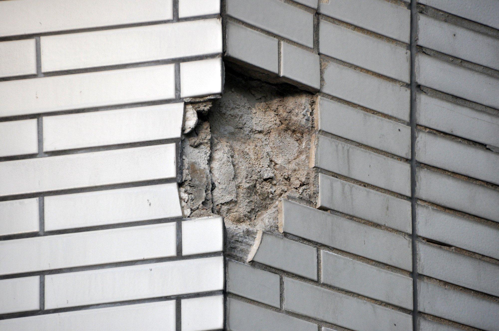 Schäden An Einzelnen Fliesen Fliesen Und Platten Schäden - Fliesen lösen ohne beschädigung