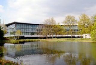 Das Oeconomicum der Universität Düsseldorf wurde von Ingenhoven Architekten entworfen, geplant und realisiert