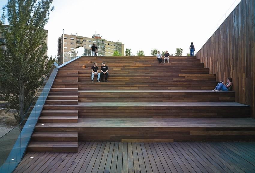 Umweltzentrum in saragossa e solar kultur bildung for Architektur rampe