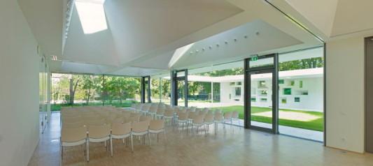 gemeindezentrum in frankfurt zeilsheim flachdach kultur und freizeit baunetz wissen. Black Bedroom Furniture Sets. Home Design Ideas