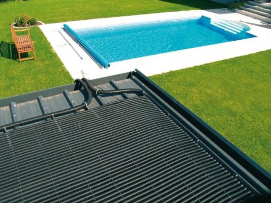 sonnenw rme f r den pool solar news produkte baunetz wissen. Black Bedroom Furniture Sets. Home Design Ideas
