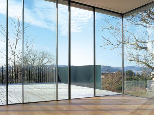 schiebefenster ohne sichtbaren rahmen beschl ge news produkte baunetz wissen. Black Bedroom Furniture Sets. Home Design Ideas