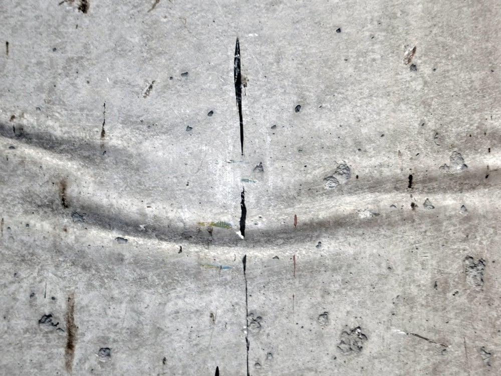 risse im betonboden tage wie dieser ruhig blatt einsamkeit traurigkeit beton trauer trist ende. Black Bedroom Furniture Sets. Home Design Ideas