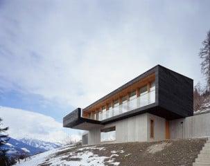 Klare Formen prägen die Berghütte am Rande des Nationalparks Hohe Tauern im Salzburger Land