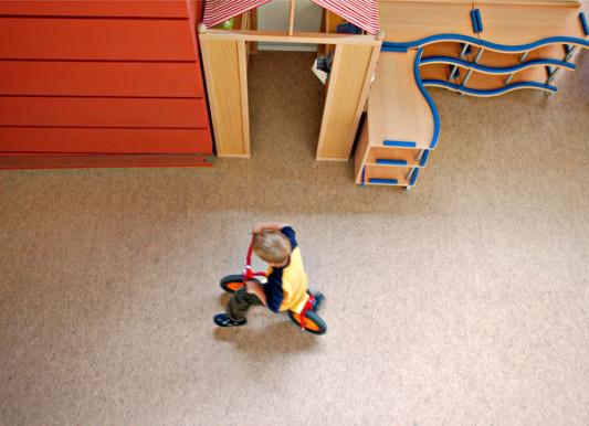 reinigung und pflege von linoleum boden linoleum baunetz wissen. Black Bedroom Furniture Sets. Home Design Ideas