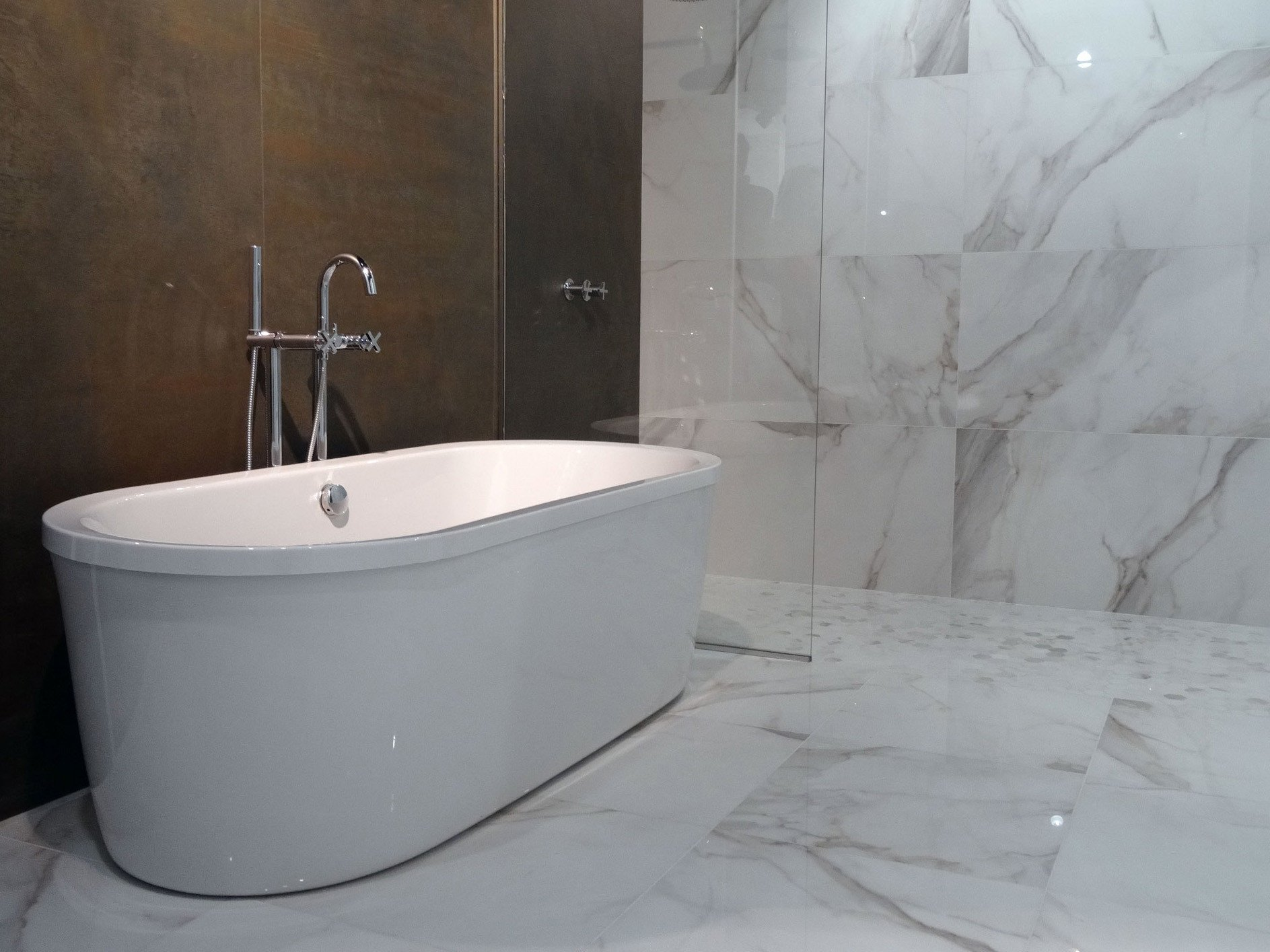 Elektroinstallation In Räumen Mit Badewanne Oder Dusche Elektro