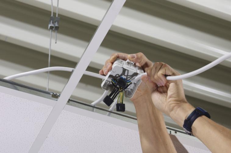 Installation Mit Verbindungsdosen