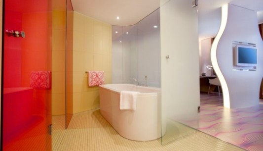hotel nhow in berlin bad und sanit r hotel gastronomie. Black Bedroom Furniture Sets. Home Design Ideas