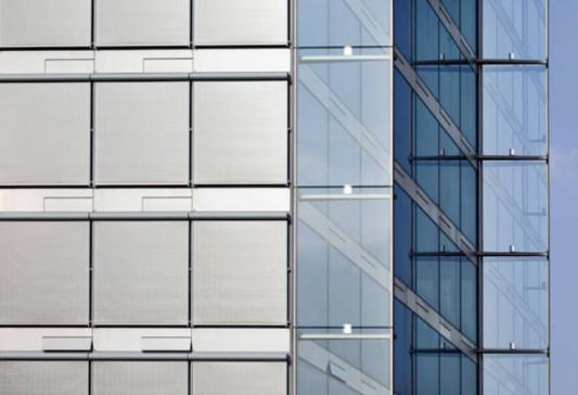 Sonderform fassaden mit integrierter photovoltaik Clauss markisen leinfelden echterdingen