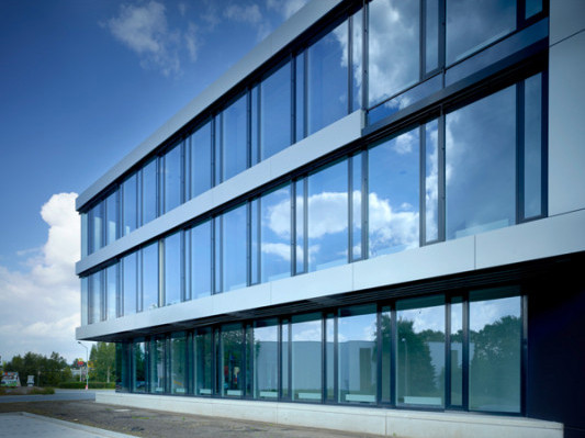 Glasfassade  Logistikzentrum in Detmold | Fassade | Gewerbe/Industrie ...