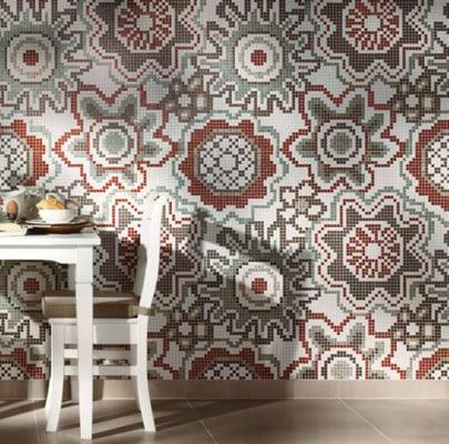 mosaikfliesen mit ornament das einem blumenteppich gleicht - Mosaik Fliesen