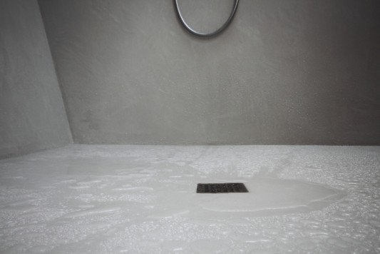 Kalkmarmorputz f r nassr ume bad und sanit r news for Marmorputz bad
