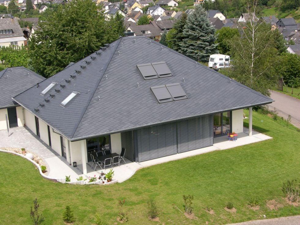 walmdach geneigtes dach dachformen baunetz wissen. Black Bedroom Furniture Sets. Home Design Ideas