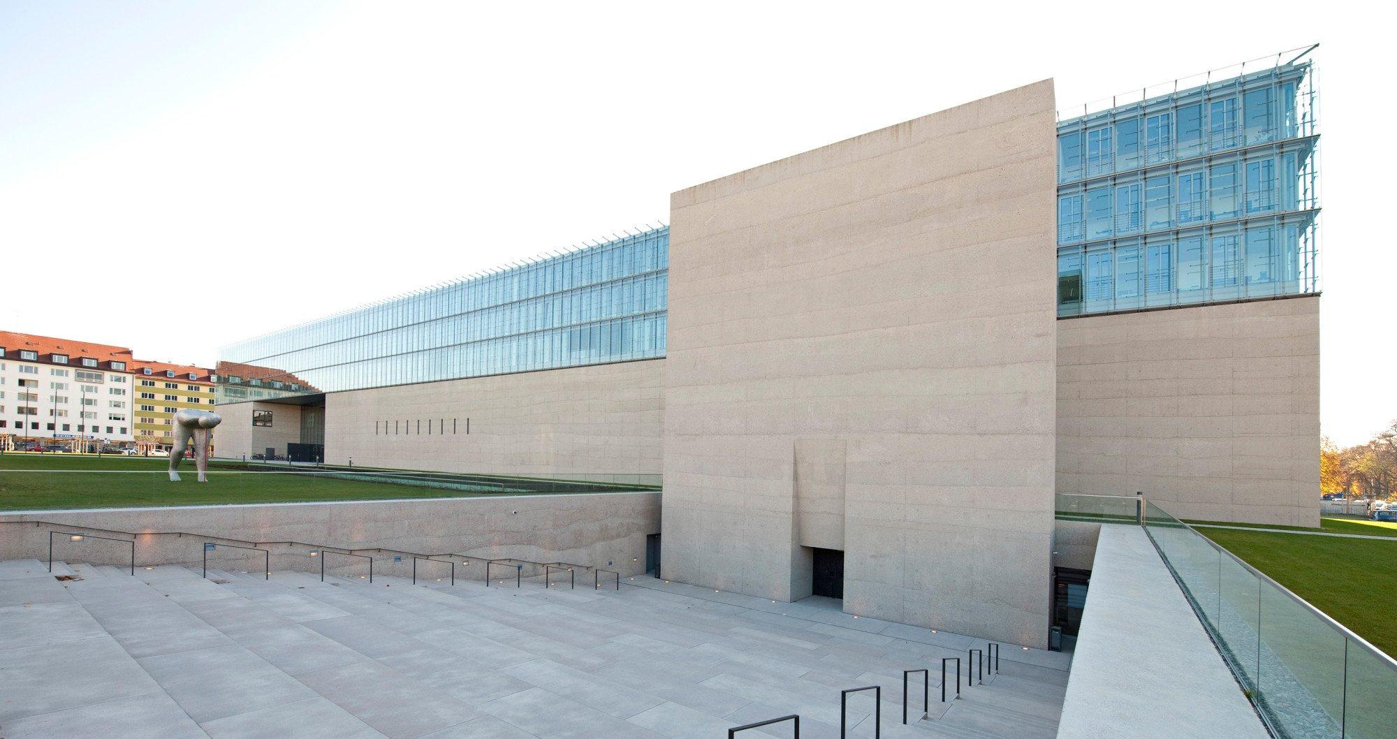 gyptisches museum und filmhochschule in m nchen beton kultur baunetz wissen. Black Bedroom Furniture Sets. Home Design Ideas
