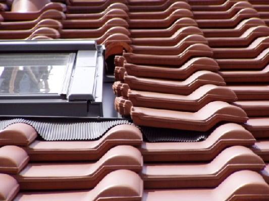 Innovativ Eindeckungen | Geneigtes Dach | Bauschäden | Baunetz_Wissen JR59