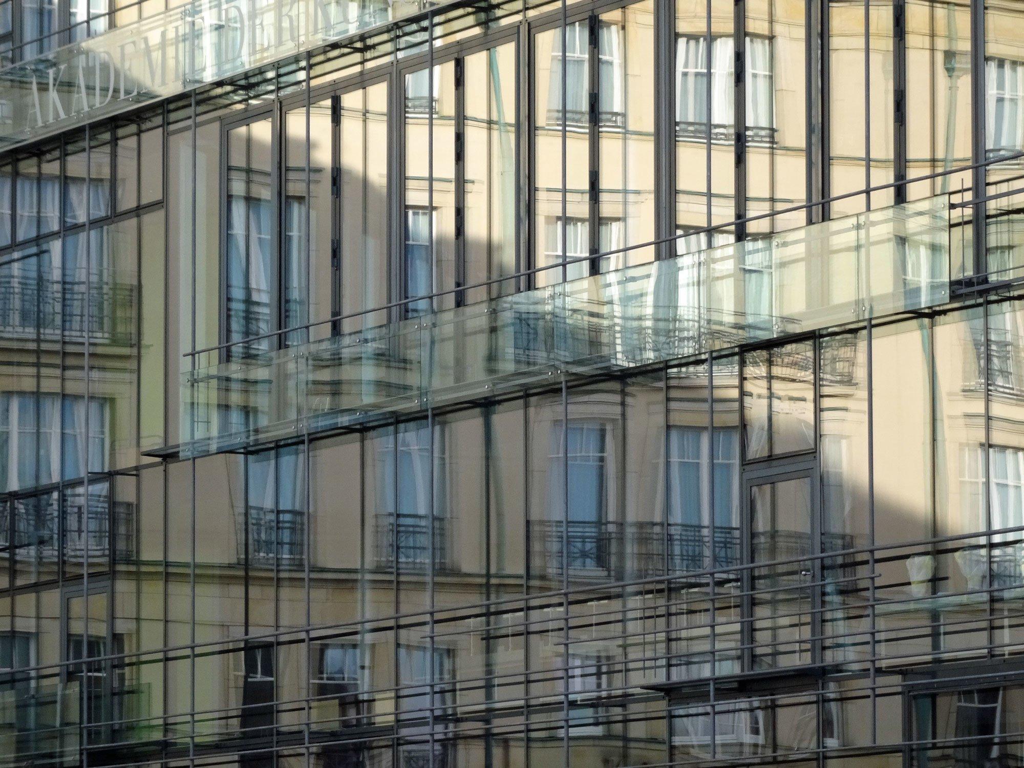 Pfosten riegel fassaden glas vertikale glaselemente - Skelettbau architektur ...