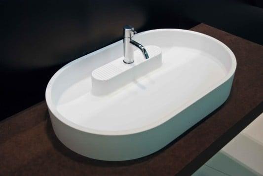 waschbecken mit insel bad und sanit r news produkte. Black Bedroom Furniture Sets. Home Design Ideas