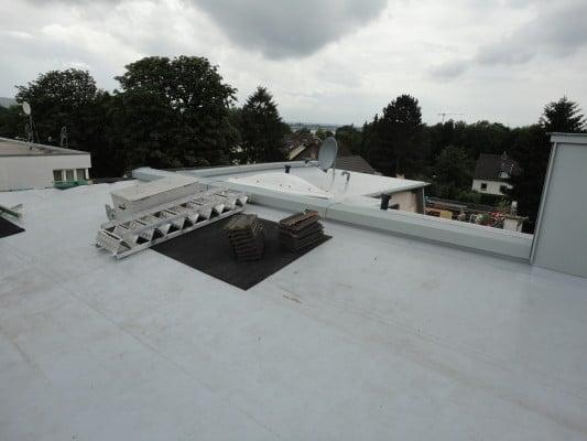 Kunststoff elastomerdachbahnen geneigtes dach - Planquadrat architekten ...