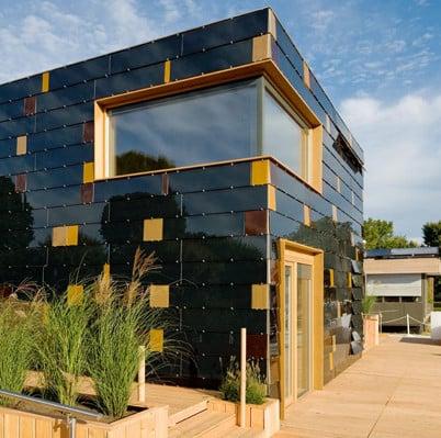 Pv Fassadenmodule Im Materialmix Solar Pv Am Geb 228 Ude