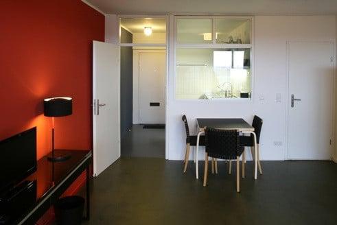 wohnung 402 im corbusierhaus berlin boden wohnen. Black Bedroom Furniture Sets. Home Design Ideas