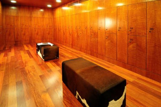mineralbad spa samedan fliesen und platten sport freizeit baunetz wissen. Black Bedroom Furniture Sets. Home Design Ideas