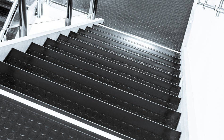 stufenbel ge treppen treppenelemente baunetz wissen. Black Bedroom Furniture Sets. Home Design Ideas