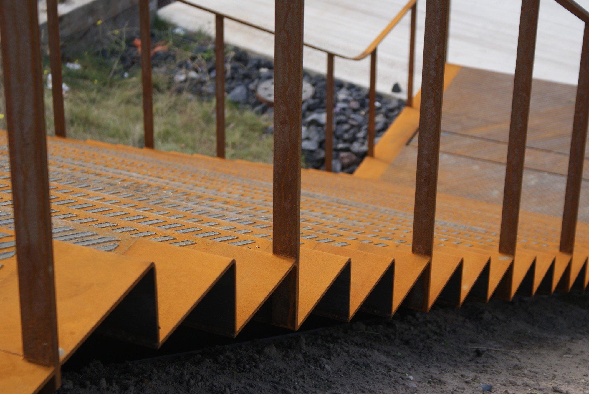 metalle im treppenbau treppen materialien baustoffe baunetz wissen. Black Bedroom Furniture Sets. Home Design Ideas