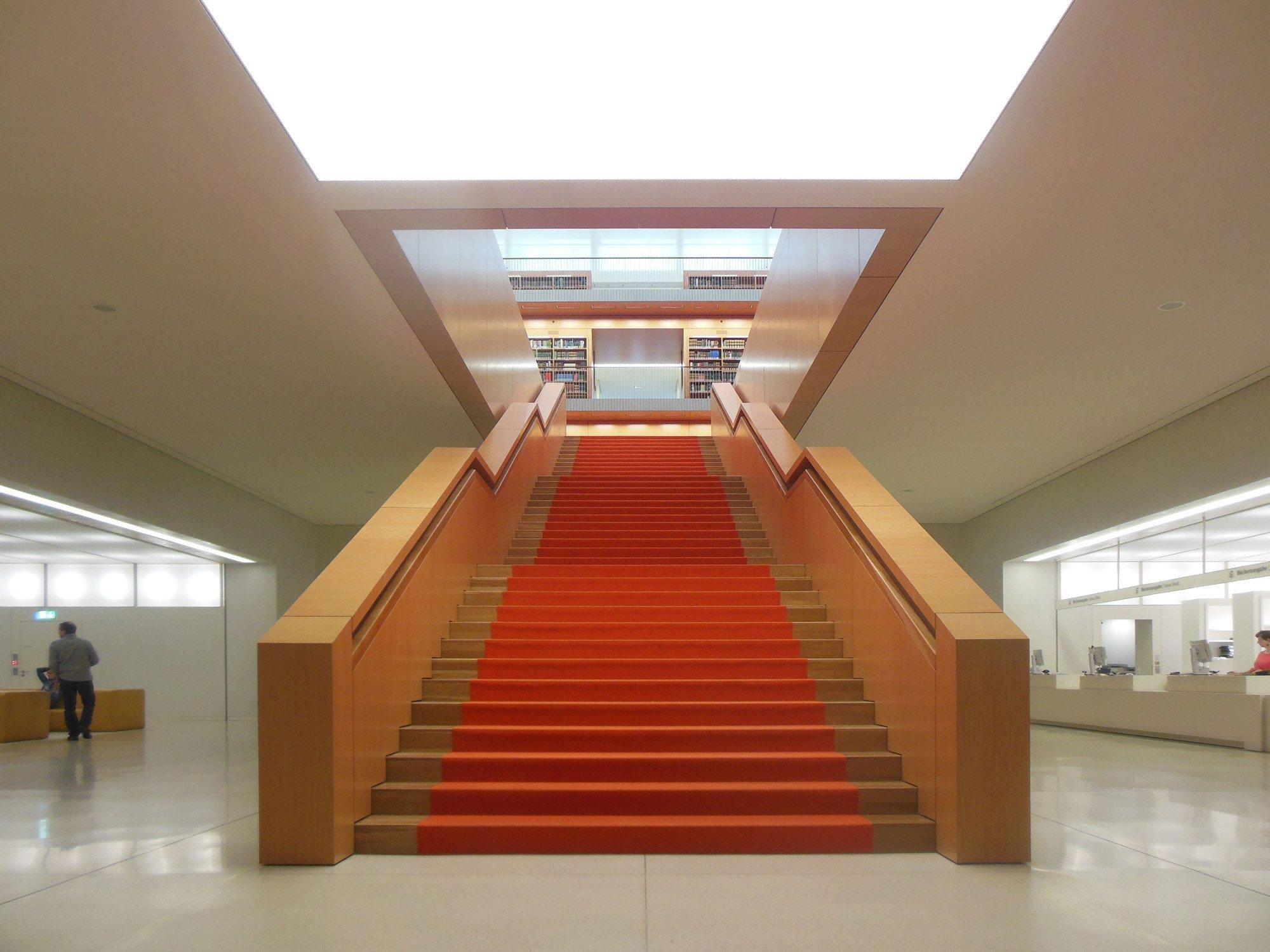 Treppen in ffentlichen geb uden treppen planungsgrundlagen baunetz wissen - Treppen architektur ...