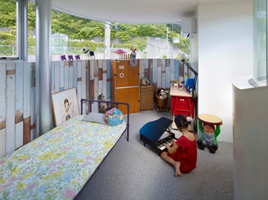 toda house in hiroshima boden wohnen baunetz wissen. Black Bedroom Furniture Sets. Home Design Ideas