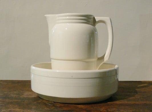 Um 1900 Immer Noch Weit Verbreitet: Waschschüssel Mit Krug