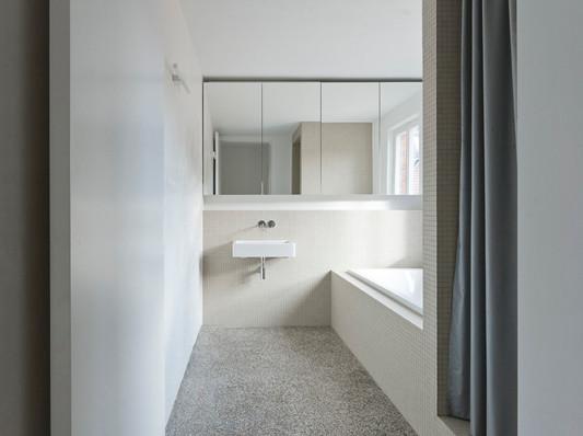 Umbau eines gr nderzeitwohnhauses in stuttgart - Badezimmer stuttgart ...