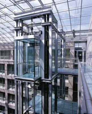 Feuerschutzabschl sse fahrschachtt ren brandschutz for Bilder fa r treppenhaus