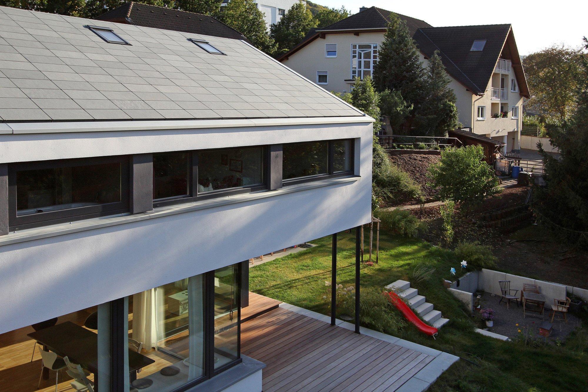 einfamilienhaus in cochem geneigtes dach wohnen. Black Bedroom Furniture Sets. Home Design Ideas