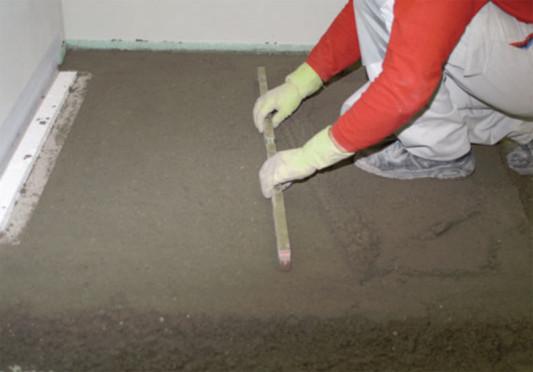 schritt 2 die rinne wird vollstndig mit estrich unterfttert - Bodengleiche Dusche Estrich