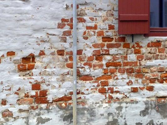 Putzschäden Altbau Außenwand Sanierung Baunetzwissen