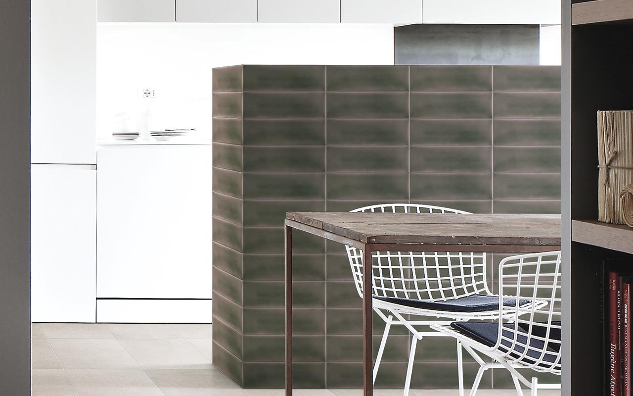 facettenfliesen fliesen und platten glossar baunetz wissen. Black Bedroom Furniture Sets. Home Design Ideas