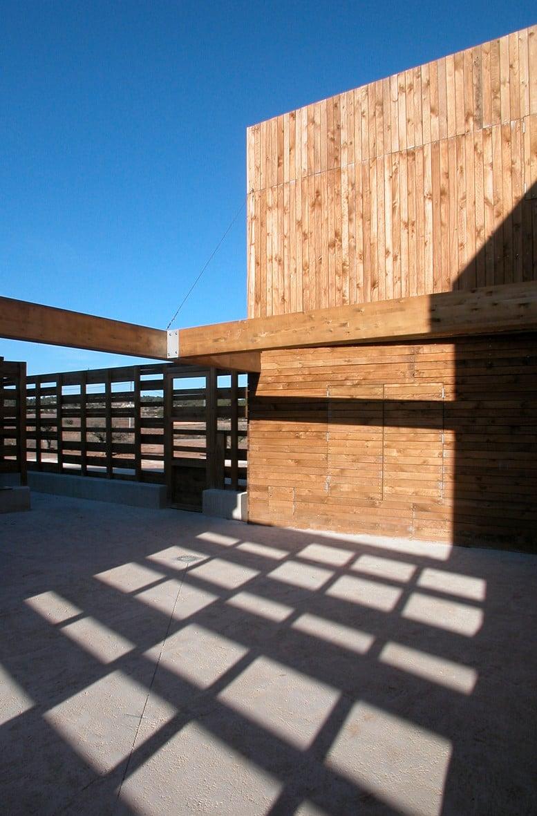 haus f r drei schwestern in bullas nachhaltig bauen wohnen baunetz wissen. Black Bedroom Furniture Sets. Home Design Ideas