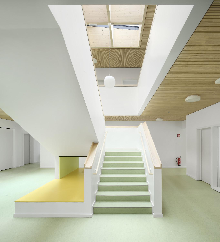 kita sch ne aussicht in frankfurt riedberg boden. Black Bedroom Furniture Sets. Home Design Ideas