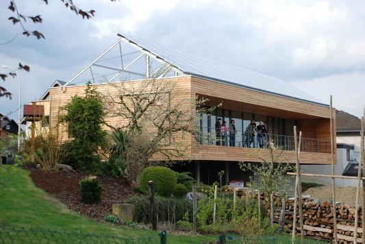 Holzbau Kappler passivhaus in hain geneigtes dach wohnen baunetz wissen