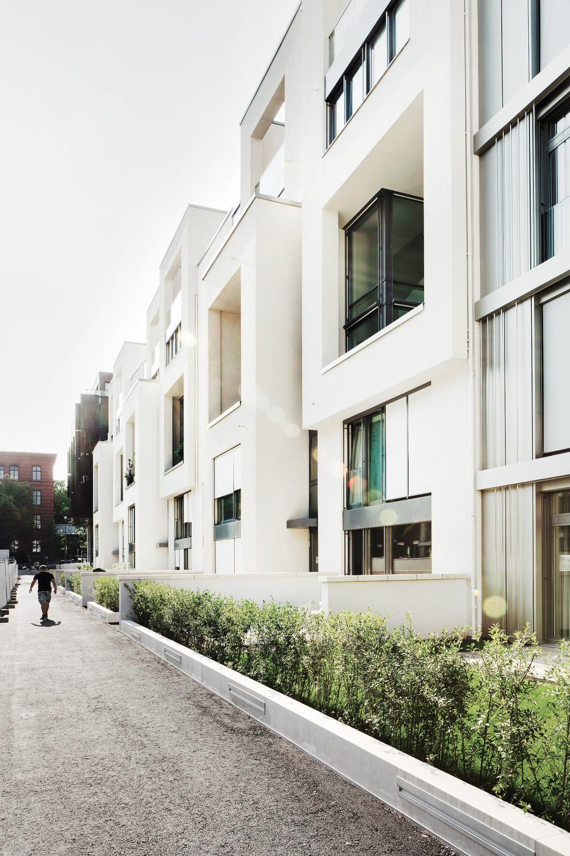 wohnanlage marthashof in berlin sonnenschutz wohnen baunetz wissen. Black Bedroom Furniture Sets. Home Design Ideas