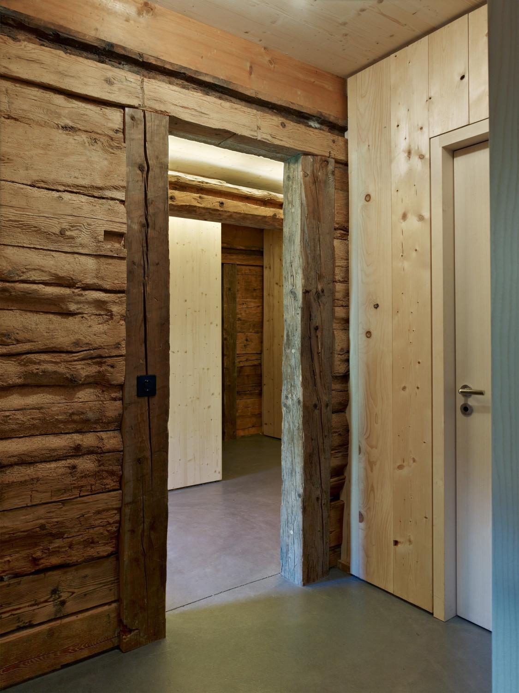 stall haus in lumbrein boden wohnen baunetz wissen. Black Bedroom Furniture Sets. Home Design Ideas