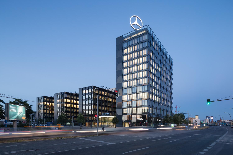 Mercedes benz vertriebszentrale in berlin glas b ro for Benz hamburg