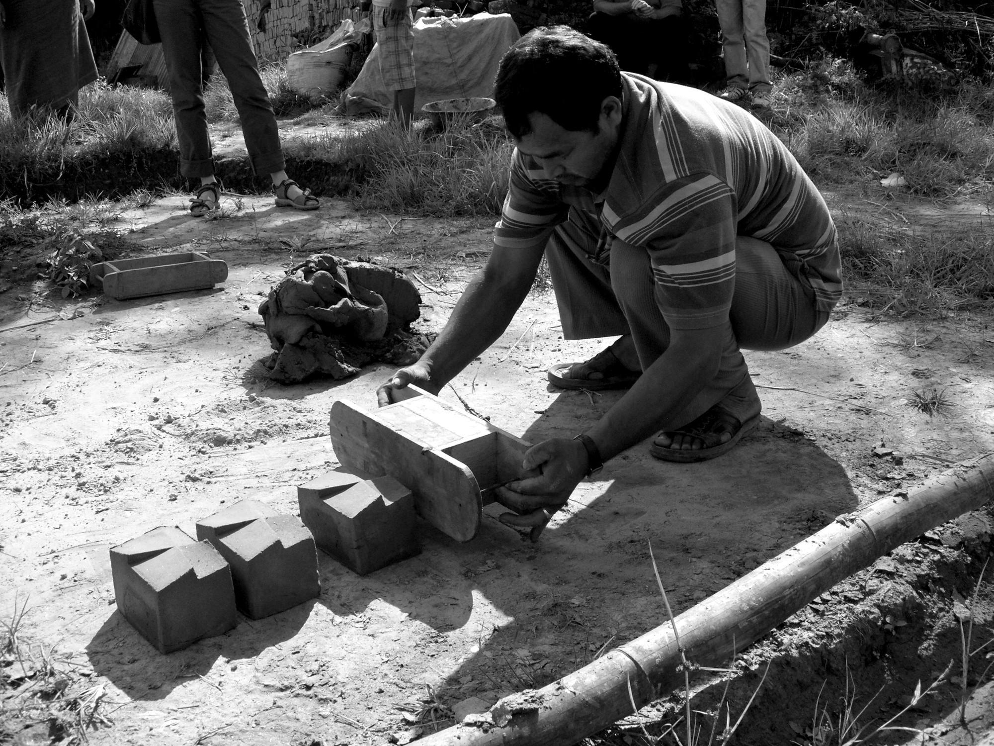 Turm zu bhaktapur mauerwerk sonderbauten baunetz wissen for Boden verdichten