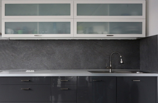 gro formatige platten aus d nnschiefer und kunststoff schiefer. Black Bedroom Furniture Sets. Home Design Ideas
