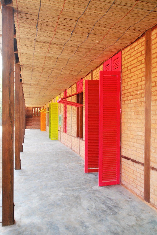 high school in thazin mauerwerk bildung sport baunetz wissen. Black Bedroom Furniture Sets. Home Design Ideas