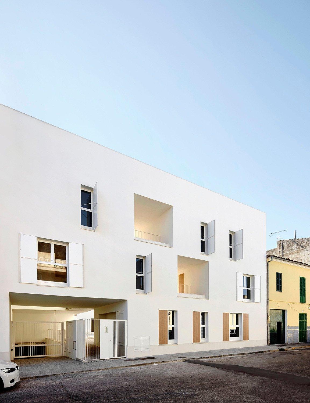 sozialer wohnungsbau in sa pobla auf mallorca flachdach. Black Bedroom Furniture Sets. Home Design Ideas